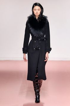 Blumarine Fall 2019 Ready-to-Wear Fashion Show - Vogue Dark Fashion, Winter Fashion, Fashion Looks, Vogue Paris, Leopard Print Jacket, Fashion Week, Womens Fashion, Fashion Addict, Ballerina Dress