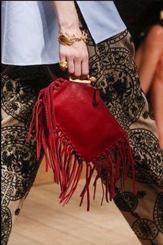 sfilata Valentino borse primavera estate 2014 pochette rossa