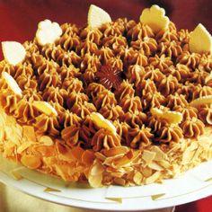 Mokkacreme-Rum-Torte und Schokoladen-Sahne-Torte  Die Mokkacreme-Rum-Torte ist eine geschichtete Torte für Festtage. Lockere Biskuitböden werden mit Rum beträufelt und mit feinster Buttercreme gefüllt.  Die Schokoladen-Sahne-Torte ist eine feine, festliche Torte. Sie besteht aus dünnen Nuß-Baiser-Böden, die mit viel Vanillesahne gefüllt sind. Die hübsche Schokoladen-Dekoration läßt sich leicht herstellen.   http://www.schlemmereckchen.de/mokkacreme-rum-torte/