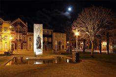 Square of Almada and Eça de Queirós statue