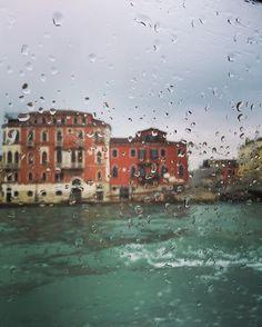 a hard rain's a-gonna fall #bob #venice #travel #rain #clouds #ig_venice #guarda #oltre by giulia_soggiu
