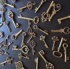 Vintage Skeleton Keys. Vintage Skeleton Keys on Tradesy Weddings (formerly Recycled Bride), the world's largest wedding marketplace. Price $130.00...Could You Get it For Less? Click Now to Find Out!