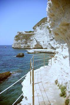 Bonifacio l Corsiga, France Corsica Travel, Places To Travel, Places To See, Travel Around The World, Around The Worlds, Voyage Europe, Photos Voyages, France Travel, Dream Vacations
