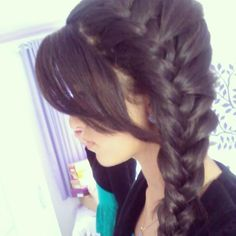 I still cannot French braid to save my life, but that it gorgeous (and simple).