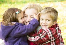 Обнимайте чаще своего ребенка!