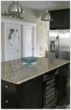 How to keep granite clean the easy way! Using something you won't find under the kitchen sink.