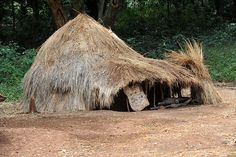 Africa |  Kachipo family house. South Sudan | © Geert Henau
