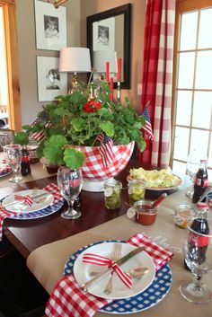 Red white and blue table settings holiday home в 2019 г. 4th Of July Celebration, 4th Of July Party, Fourth Of July, Deco Table, A Table, Dinning Table, Dining Rooms, Patriotic Table Decorations, 4. Juli Party
