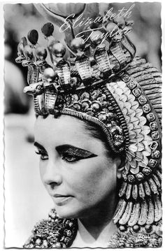Golden Age Of Hollywood, Vintage Hollywood, Hollywood Glamour, Classic Hollywood, Hollywood Stars, Cleopatra Headdress, Cleopatra Costume, Divas, 30th Birthday Ideas For Women