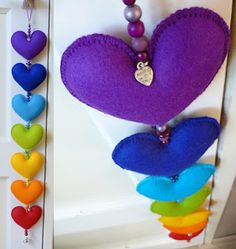 1 million+ Stunning Free Images to Use Anywhere Diy Crafts Hacks, Diy Crafts For Gifts, Cool Diy Projects, Hobbies And Crafts, Foam Sheet Crafts, Felt Keychain, Felt Ornaments Patterns, Felt Cushion, Felt Bookmark