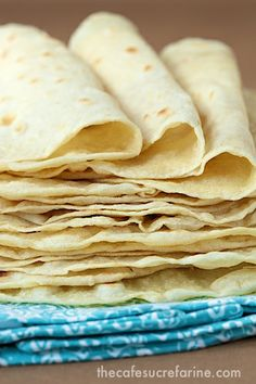 Ever Homemade Flour Tortillas These really are the best ever homemade flour tortillas, no one can believe how easy and delicious they are!These really are the best ever homemade flour tortillas, no one can believe how easy and delicious they are! Mexican Dishes, Mexican Food Recipes, Vegan Recipes, Dinner Recipes, Cooking Recipes, Cooking Rice, Freezer Recipes, Flour Recipes, Freezer Cooking