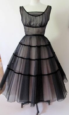 Classy & pretty! Vintage 1950's black and pink tulle dress by liliana