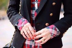 In case of doubt... Wear The Real Red!!! Find it at www.toystyle.co // En caso de que tengas alguna duda.. Utiliza The Real Red!!! Encuéntralo en www.toystyle.co @sisterlystyle #toybysisterlystyle #timelesstreasures #nailpolish #therealred #mani #nails