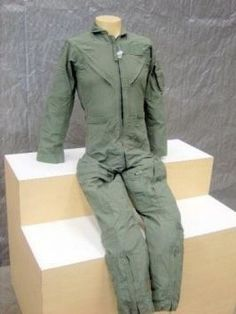 NEW MILITARY NOMEX WOMENS CWU-27/P FLIGHT FLYERS SUIT COVERALLS 32WR
