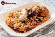Esta paella es uno de los platos más famosos de España. Es un plato sabroso y muy completo en cualquier dieta pues aporta hidratos, vitaminas y proteínas.
