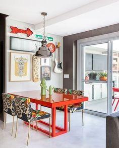 Fala sério nessa mistureba de cores super descolada dessa sala da Casa de Valentina. #inspiração