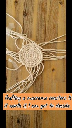 Pom Pom Crafts, Yarn Crafts, Macrame Thread, Macrame Projects, Diy Projects, Free Macrame Patterns, Diy Furniture Decor, Diy Coasters, Macrame Tutorial