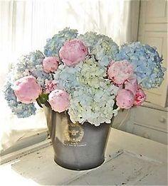 Pale Pink And Blue Flower Arrangement Himmelblau Peonies Hydrangeas Hydrangea Bouquet