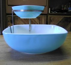 Vintage 1950s Pyrex Mid Century Turquoise Chip  Dip Bowl w/ Stand. I would love to have one of these in my collection.