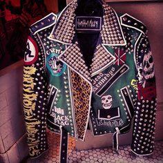 Horthos Maus @tehanamos Instagram photos   Websta Spiked Leather Jacket, Studded Jacket, Studded Vans, Looks Style, Looks Cool, My Style, Estilo Punk Rock, Chica Punk, Grunge Jacket