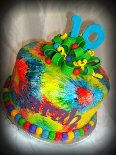 Tie Dye Cake I am Putting a couple of these up, I should really try to make them. and then teach that to someone else so they can make it for my bday 13th Birthday Parties, Kid Parties, 10th Birthday, Birthday Fun, Birthday Ideas, Tye Dye Cake, Carolines Cakes, Art Birthday Cake, Emoji Cake