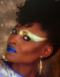 80′s Vintage Gold  March 25th, 2012  Awesome and intense 80's makeup in gold and blue.