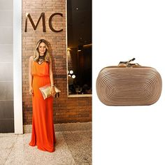 Add a dazzling touch to a bright look with this golden clutch by DVF http://bobags.com.br/aluguel-de-bolsas/clutch-lytton-bobina-by-diane-von-furstenberg.html #DVF #dianevonfurstenberg #bobags #alugueldebolsas #clutchDVF #bagrental #sharingeconomy