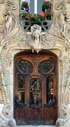 Art Nouveau door in Paris. #ArtNouveau #MostBeautifulArchitecture