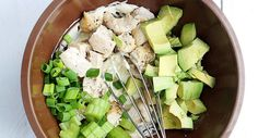 Want to know how to prepare this healthy avocado-chicken salad? Check out MonStyle for the recipe.