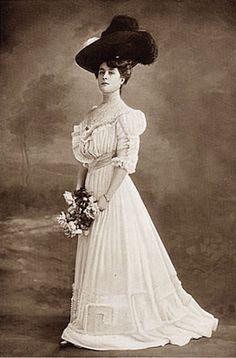 edwardian fashion models | 1900′s Fashion – Edwardian Summer Gowns 1905 | Glamourdaze
