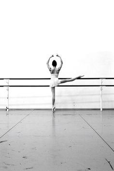 Victoria - Royal ballerina in training