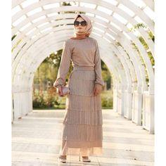 Lumiere Elbise Indian Fashion Dresses, Modest Fashion, Hijab Fashion, Women's Fashion, Hijab Style Dress, Hijab Outfit, Hijab Evening Dress, Evening Dresses, Maxi Dresses