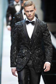 Dolce & Gabbana Spring 2010 Menswear Fashion Show Fashion Night, High Fashion, Fashion Show, Sharp Dressed Man, Well Dressed Men, Fashion Moda, Mens Fashion, Estilo Glamour, Hommes Sexy
