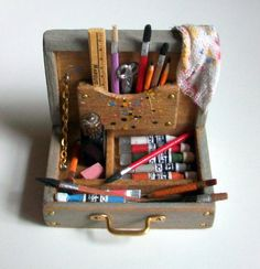 Miniature artist paint box - marquis miniatures. #miniature #art.