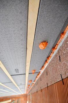 Luftdichtes eindichten der Bauanschlussfugen mit hochwertigen Schäumen Montage, New Construction