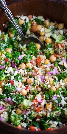 Healthy Salad Recipes, Veggie Recipes, Whole Food Recipes, Vegetarian Recipes, Cooking Recipes, Veggie Food, Quinoa And Kale Recipes, Kale Food, Healthy Broccoli Salad
