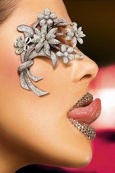 Lábios de diamantes!