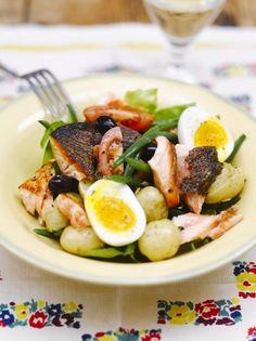 Jamie Oliver's Salmon Niçoise Fish Recipes, Seafood Recipes, Salad Recipes, Cooking Recipes, Healthy Recipes, Savoury Recipes, Spicy Recipes, Potato Recipes, Pan Fried Salmon