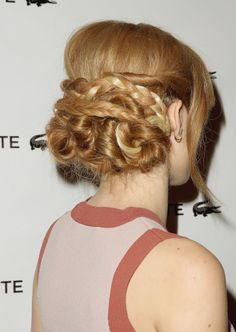 Bella Thorne Wearing a tangle of braids, twists and loops. Holiday Hairstyles, Twist Hairstyles, Celebrity Hairstyles, Pretty Hairstyles, Wedding Hairstyles, Aussie Hair Products, Hair Photo, Gorgeous Hair, Hair Trends