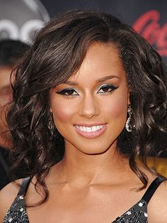Google Image Result for http://img2.timeinc.net/people/i/2007/stylewatch/blog/071203/alicia_keys_300x400.jpg
