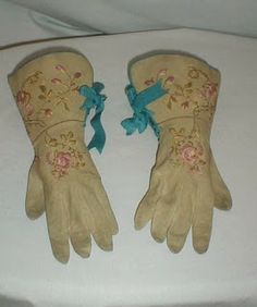 All The Pretty Dresses: Droolable 1860's Gloves
