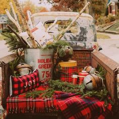Holiday decor inspiration with plaid, checks, and tartans! Come be inspired by this classic pattern for Christmas decorating. Family Christmas Pictures, Christmas On A Budget, Christmas Truck, Christmas Tree Farm, Christmas Minis, Christmas Photo Cards, Country Christmas, Outdoor Christmas, Vintage Christmas