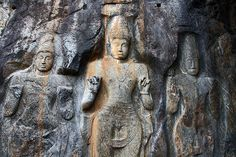 One hour drive from Ella stands an interesting curiosity built in the IXth century. Buduruwagala is an ancient buddhist temple and is a go. Mahayana Buddhism, Buddhist Temple, Ancient Artifacts, Sri Lanka, Mount Rushmore, Buddha, Lion Sculpture, Carving, Statue