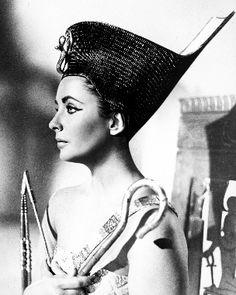 elizabeth taylor imágenes Elizabeth Taylor in Cleopatra fondo de pantalla and background fotos