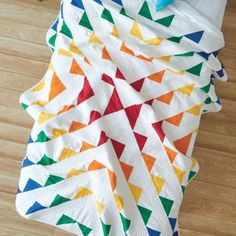 "Whether you're quilting style is traditional or modern, half-square triangles (HSTs) are a quilting staple. What is the ""best"" half-square triangle method? Triangle Quilt Pattern, Half Square Triangle Quilts, Ombre Fabric, Blue Fabric, Rainbow Quilt, Bird Quilt, Fabric Strips, Easy Quilts, Digital Pattern"