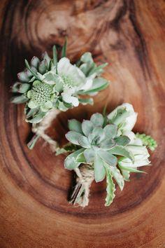Wedding Wednesday : On Trend - Natural Buttonholes | Flowerona