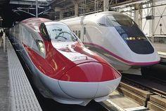 Red girly bullet train! Rail Transport, Public Transport, Train Tracks, Train Rides, Japan Train, Rail Train, High Speed Rail, Speed Training, Light Rail