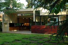 Plano de preciosa casa moderna de 1 planta y 2 dormitorios-2