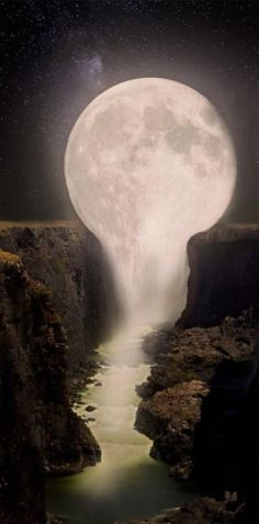 Moon over Waterfall - Gorgeous ! It looks like the moon is melting into the waterfalls. Pretty Pictures, Cool Photos, Amazing Photos, Heaven Pictures, Funny Photos, Beautiful World, Beautiful Places, Beautiful Moon Images, Beautiful Beautiful
