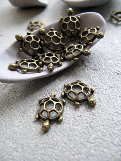 Trinkets totally cute!  Robin would love these ♥